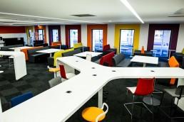 Installation et montage de mobilier de coworking | EDHEC Campus | Les Bonhommes